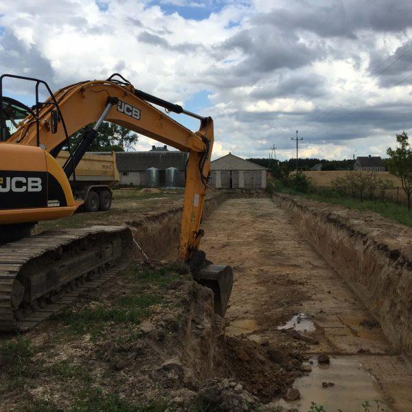 Budowa - niwelacja terenu